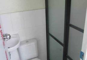 Toilet-&-Bath-2