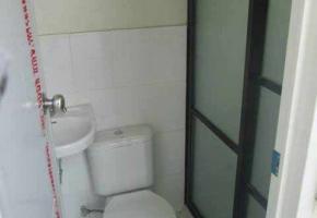 Toilet-&-Bath